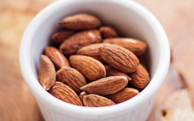 11 Reasons Why You Should Eat More Almonds!